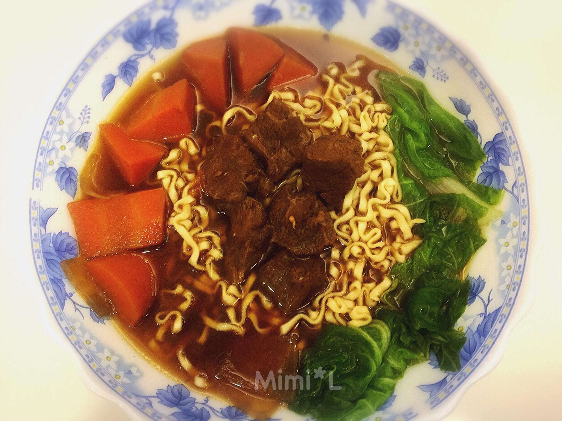 營養滿分*蕃茄牛肉麵