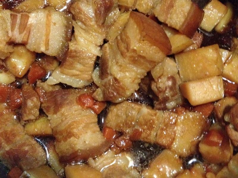 超下飯的黑糖馬鈴薯控肉