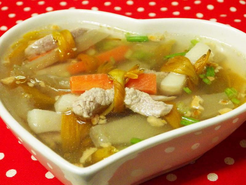 古早味—金針酸菜筍肉湯
