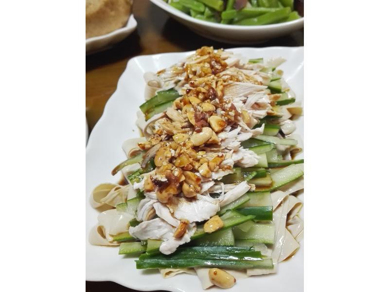 涼拌小黃瓜雞絲腐竹