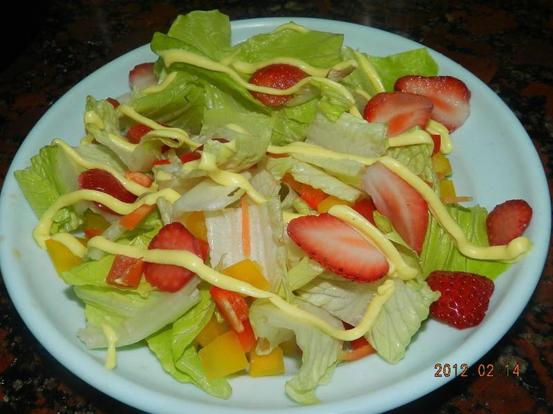ㄚ曼達的廚房~情人節套餐之一....愛的沙拉