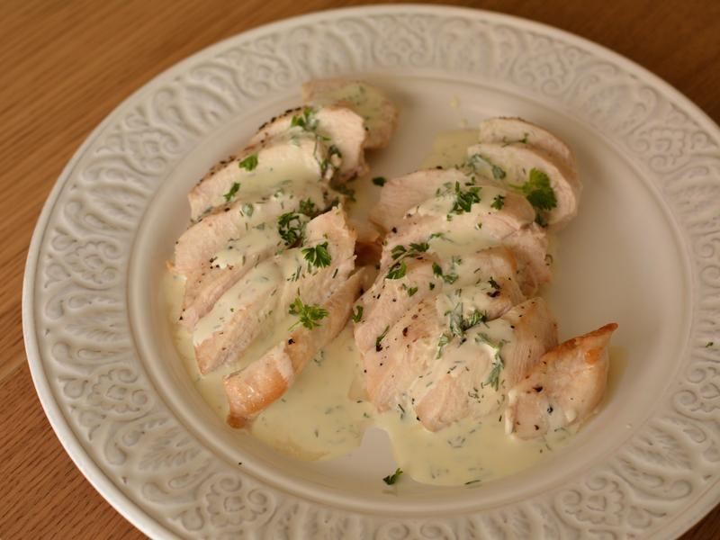 雞肉佐優格香草醬