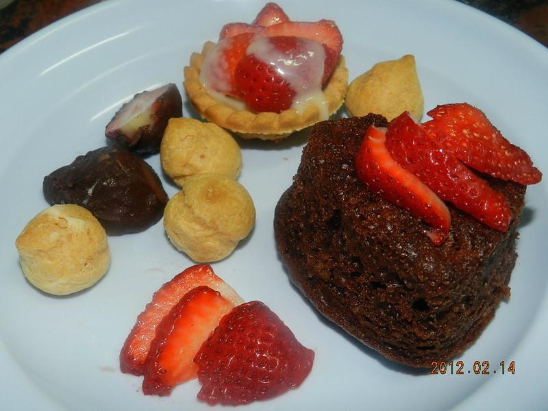 ㄚ曼達的廚房~情人節套餐之四....愛的甜點