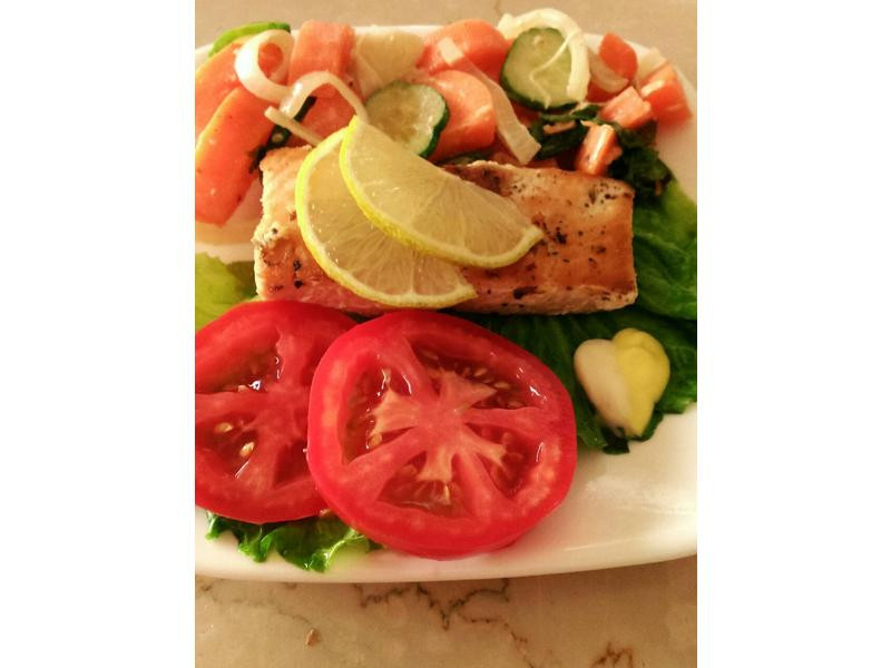 香煎檸檬鮭魚佐蜂蜜芥末沙拉