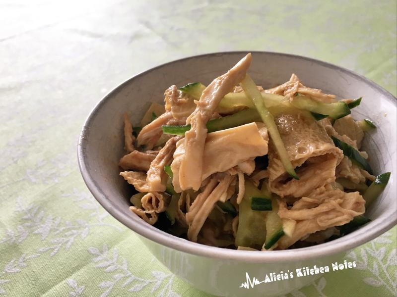 家常小菜:涼拌腐皮雞絲