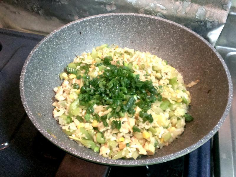 西芹蛋炒飯