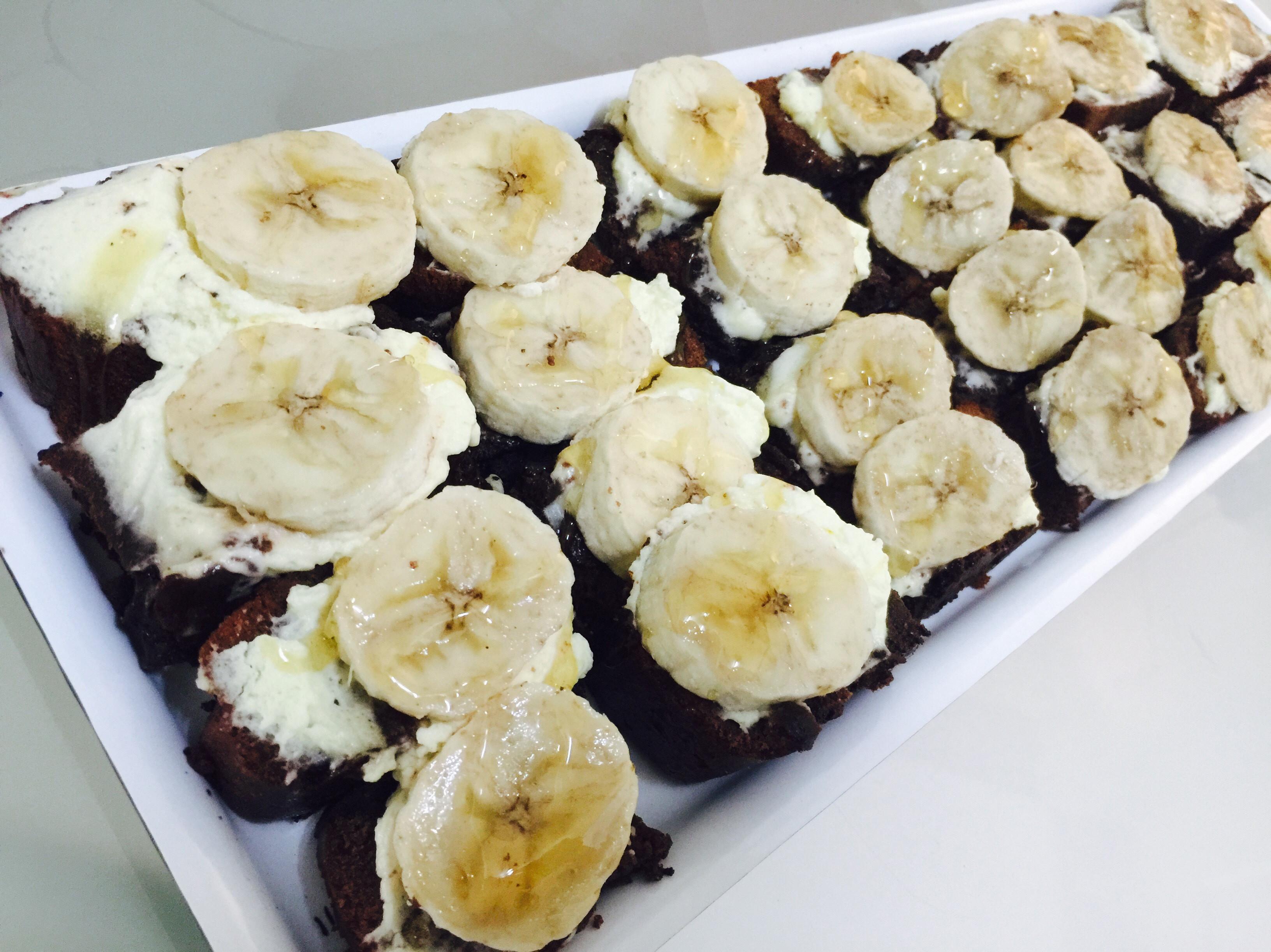 趴踢甜點:焦糖香蕉鮮奶油布朗尼