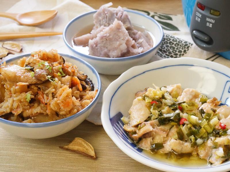 一鍋上桌:櫻花蝦油飯+蔥油雞+蜜芋頭