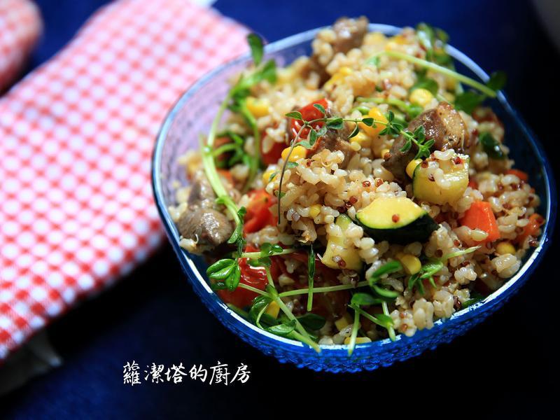 紅藜糙米拌時蔬鴨胸沙拉