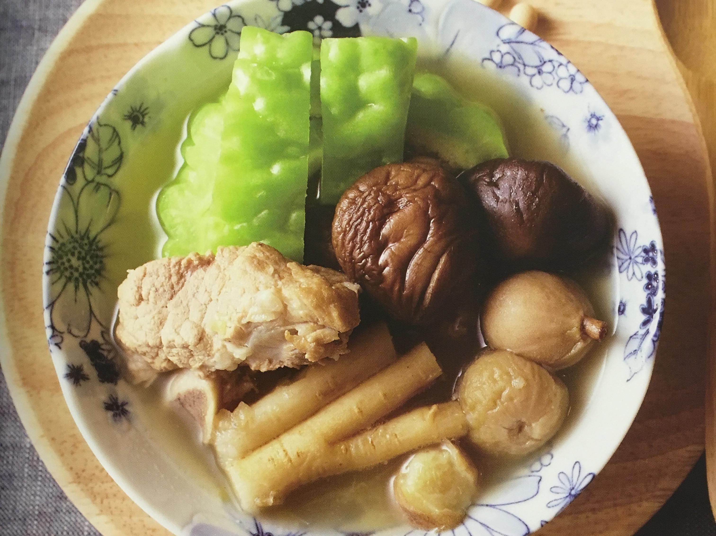 「苦瓜黃豆淮山冬菇煲排骨」-消暑去濕
