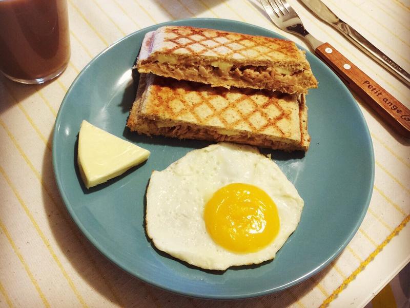 早午餐-凱薩風鮪魚熱壓吐司