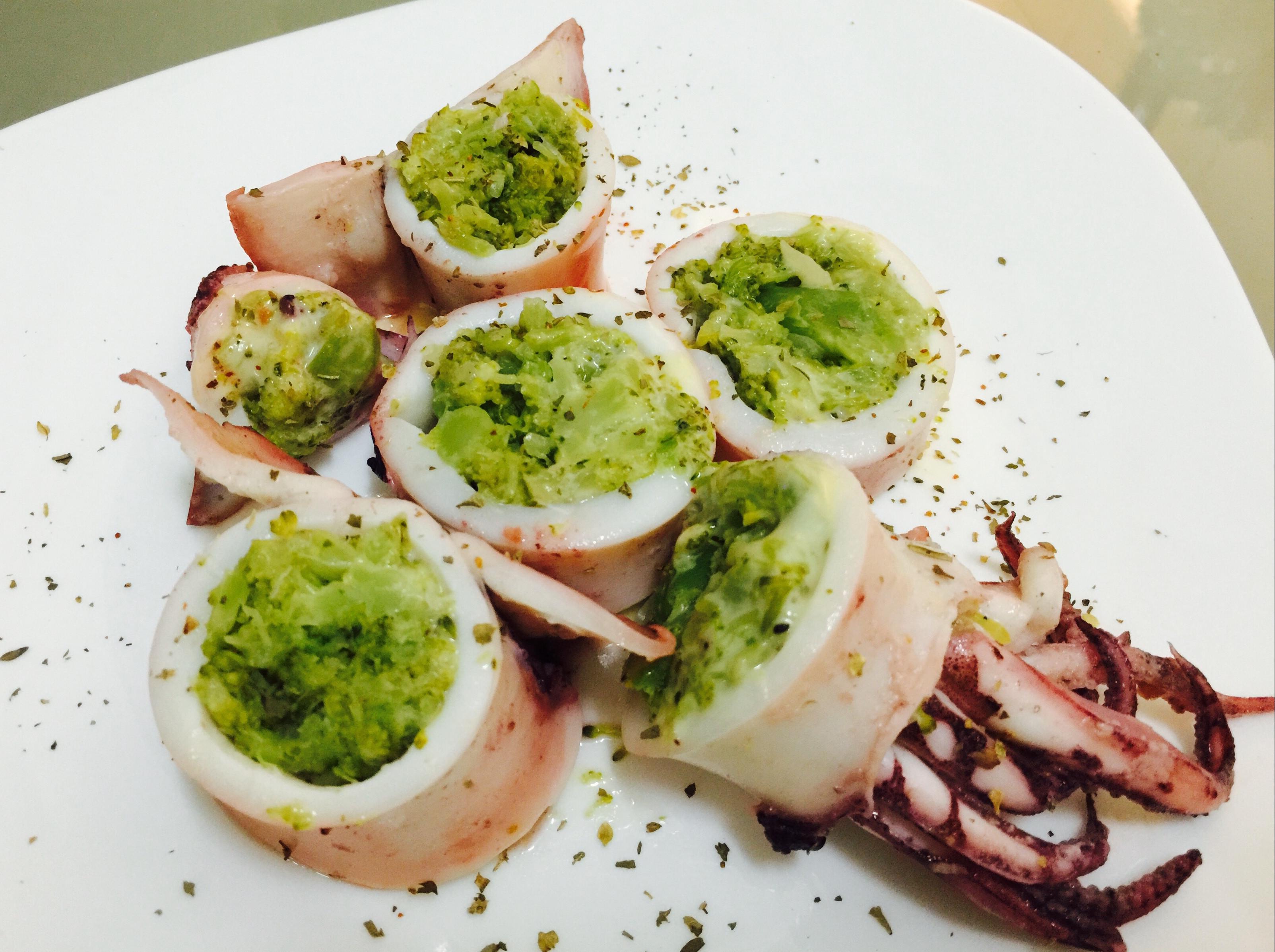 西班牙墨魚鑲花椰菜起司泥