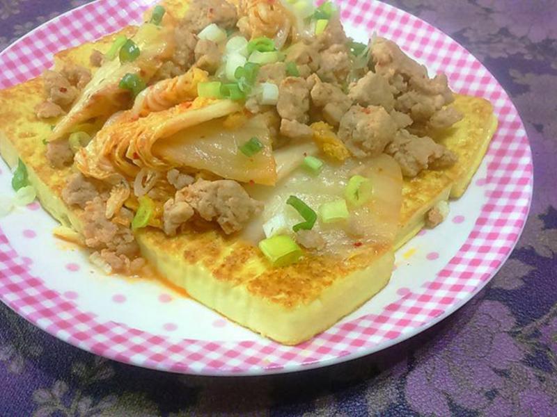 韓式泡菜豬佐黃金豆腐