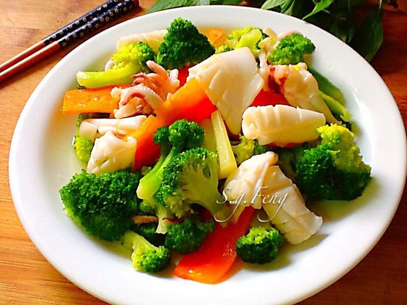 綠花椰炒小卷
