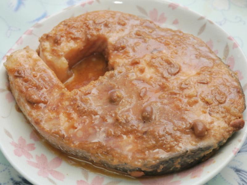 味噌蒸鮭魚