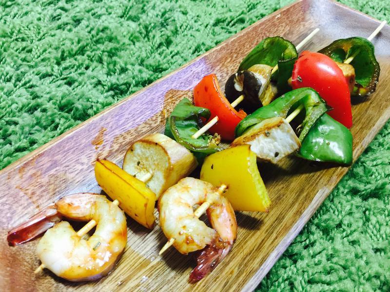 海鮮蔬菜串:鮮蝦三椒杏鮑菇串
