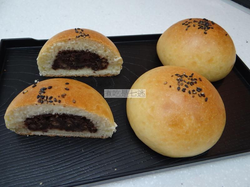 紅豆甜麵包