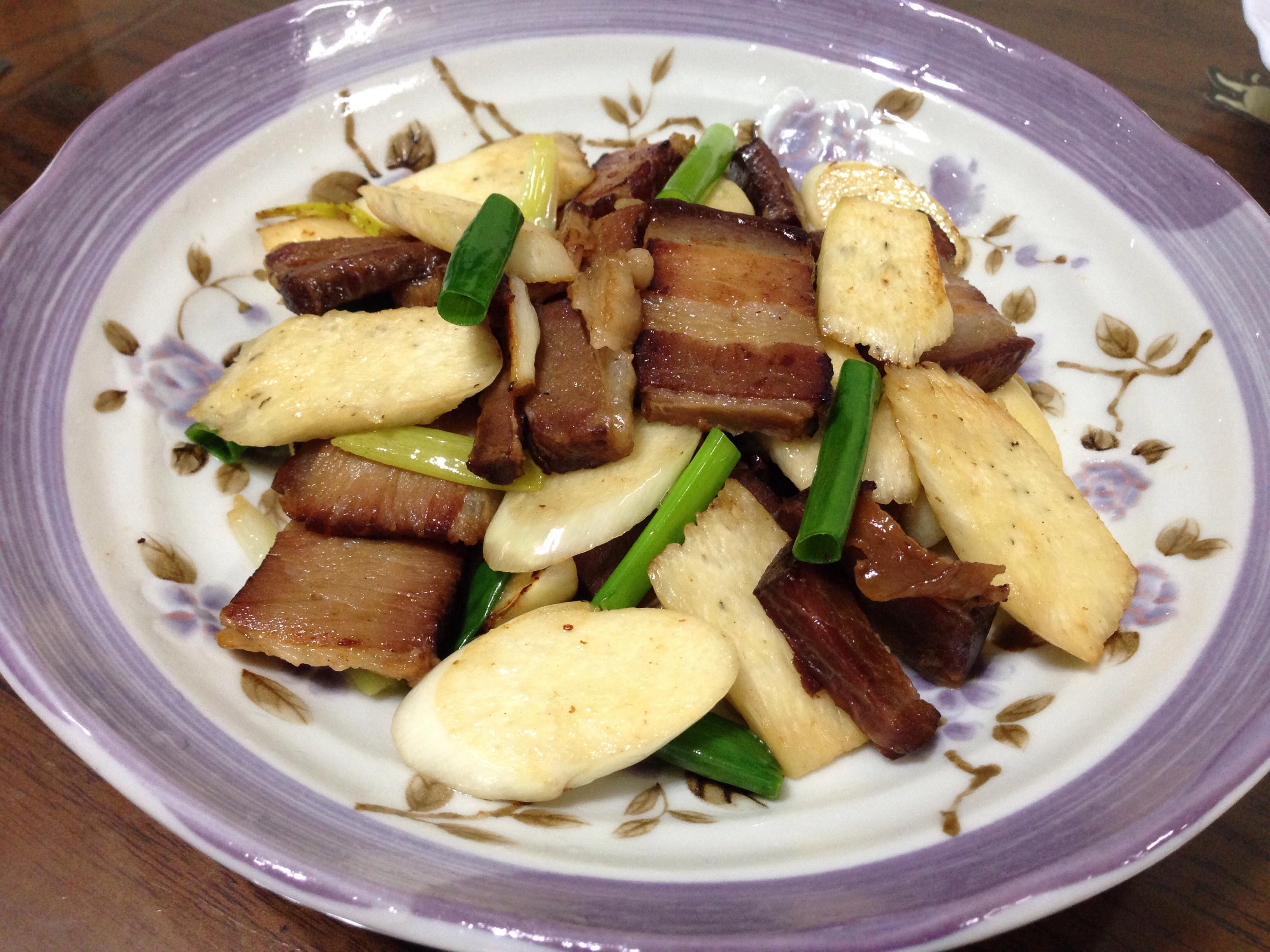 蒜香臘肉茭白筍