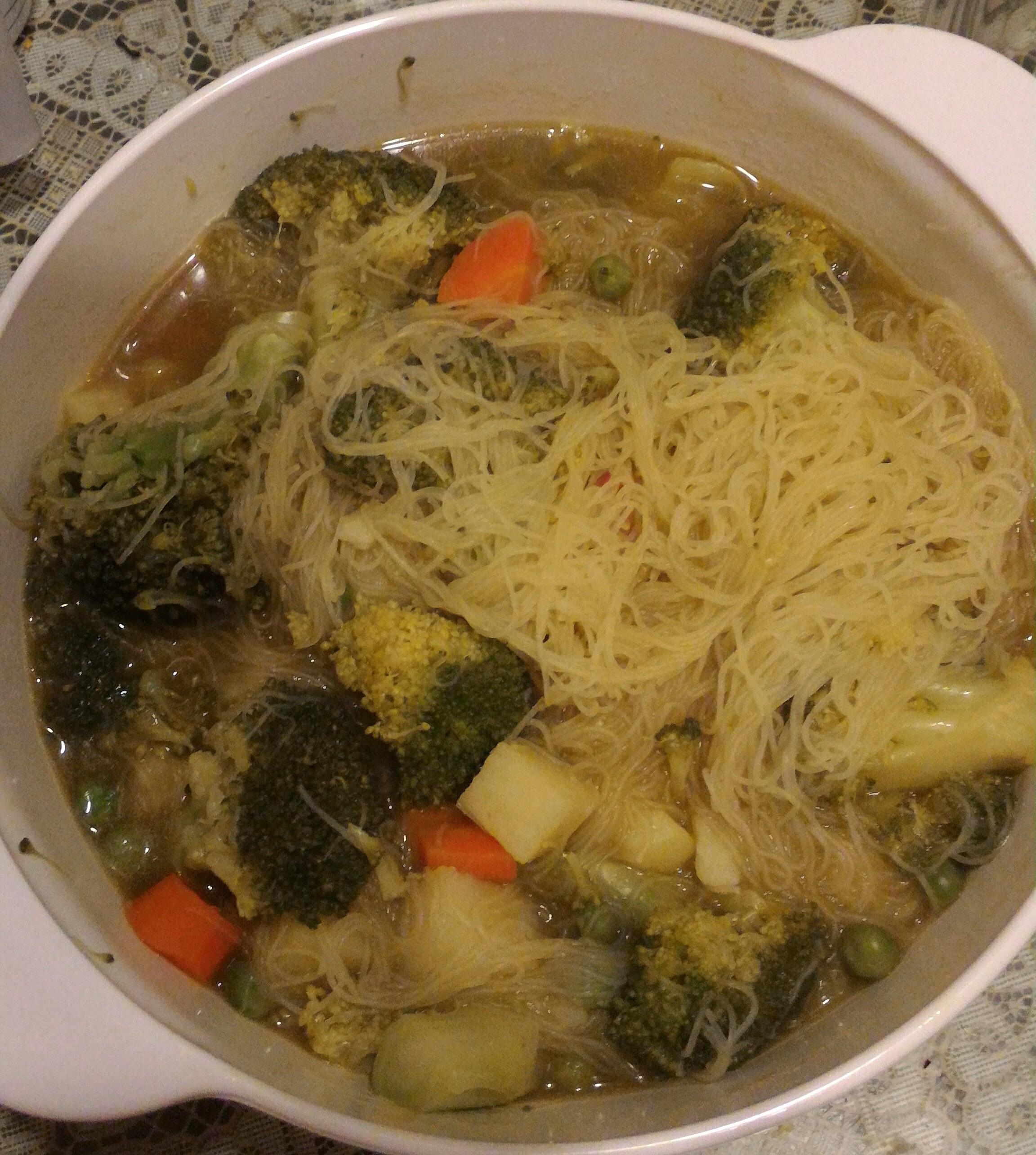 微波爐版蔬菜咖哩米粉