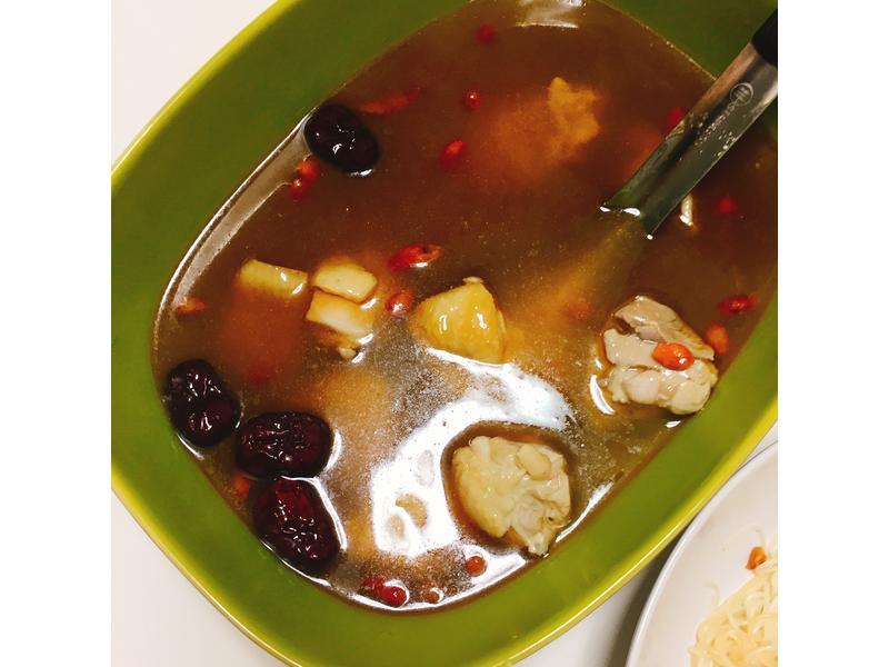麻油雞湯+苦茶油麵線