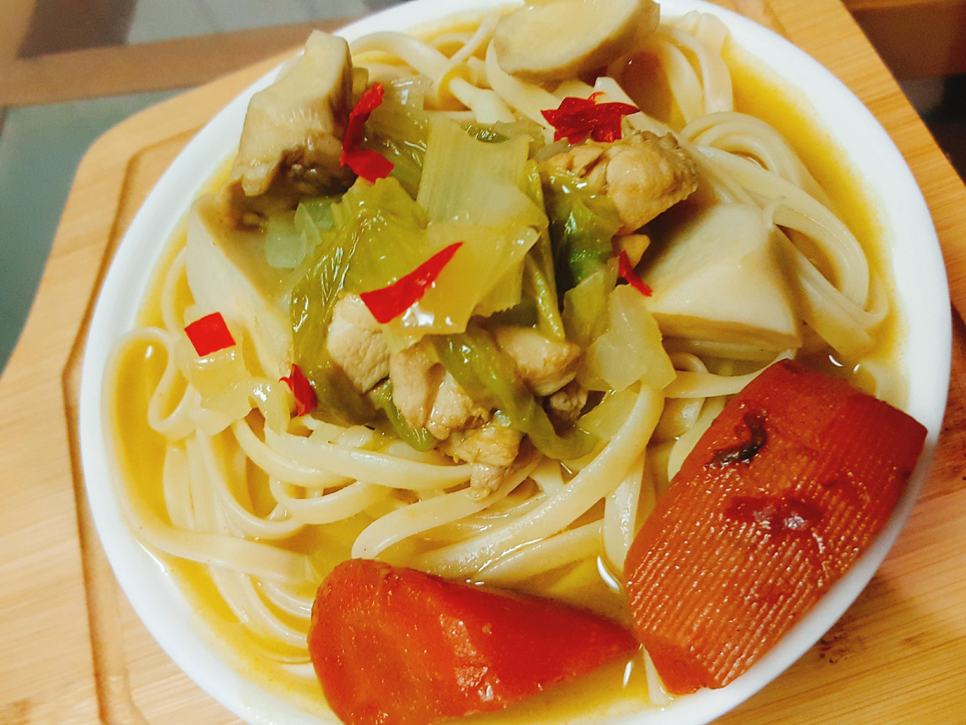 綠咖哩雞肉義大利麵【完美絕配義式饗宴】