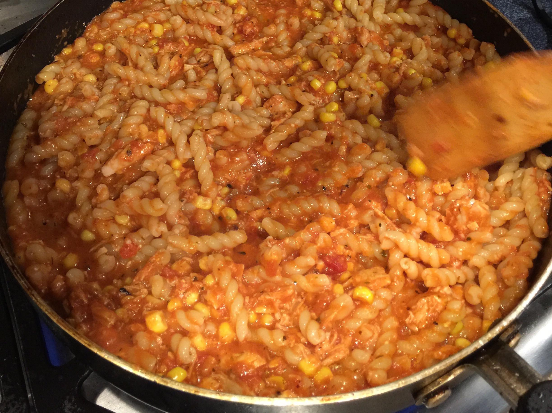 鮪魚番茄醬意大利麵 超簡單,小孩超愛❤️