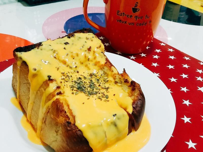 美味早餐-蜂蜜起士蒜味吐司