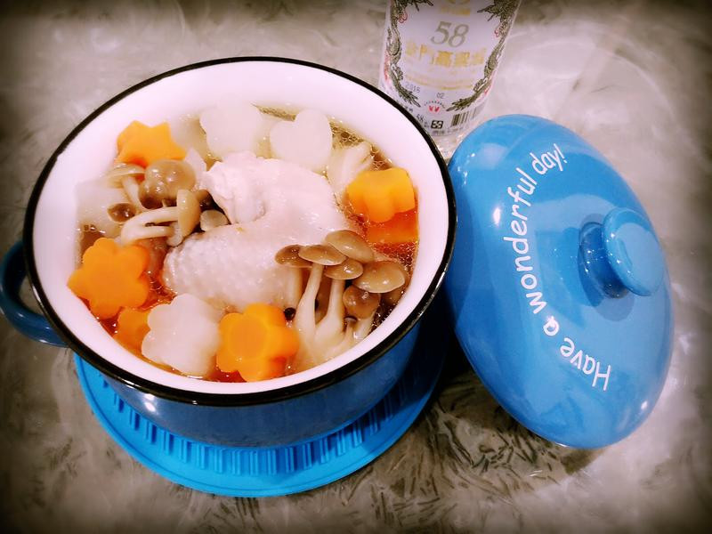 高粱雞豬雙拼養生湯—58度金門高粱酒
