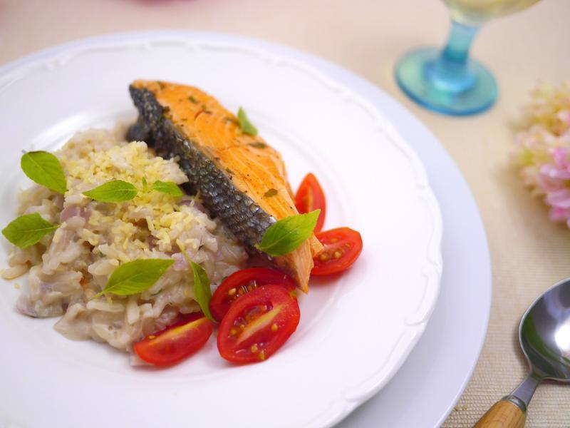 鼠尾草鮭魚燉飯