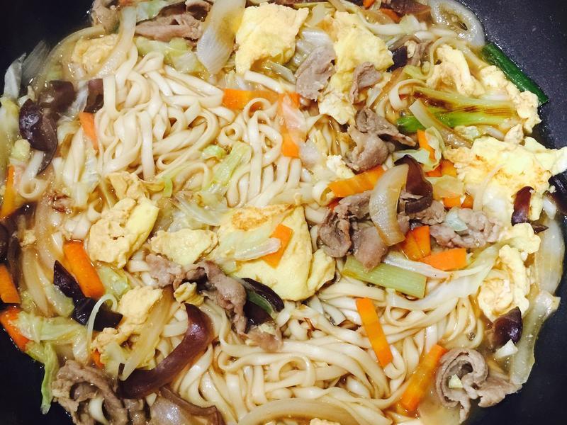 豬肉蔬菜蛋炒麵