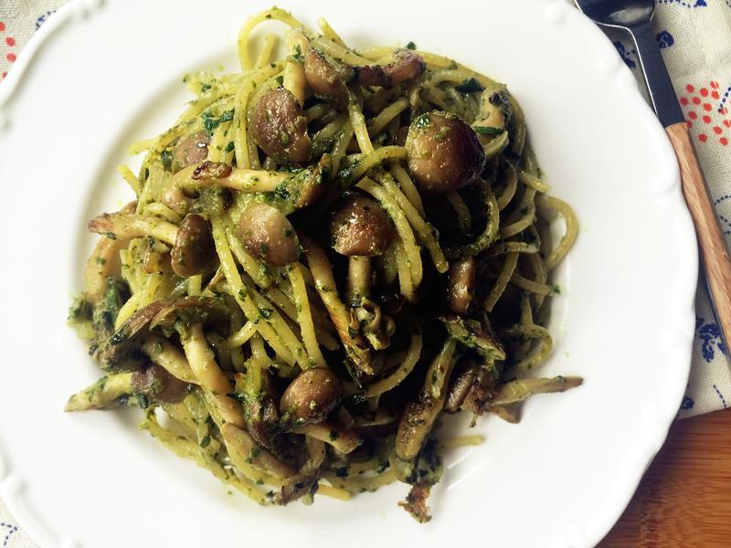 快煮青醬菇菇義大利麵