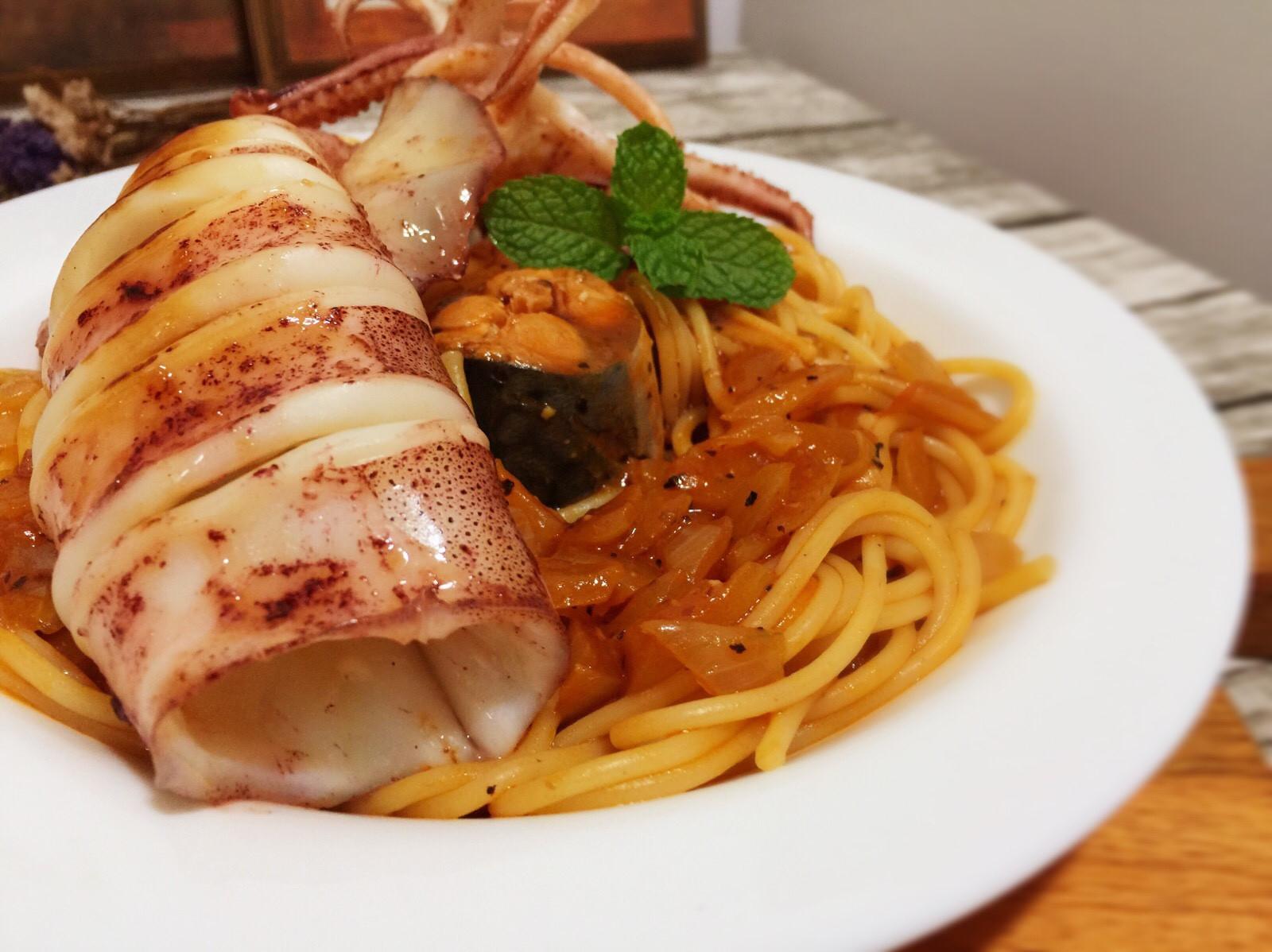 極簡單 鯖魚紅醬義大利麵