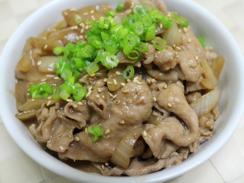 日式丼飯豬肉片
