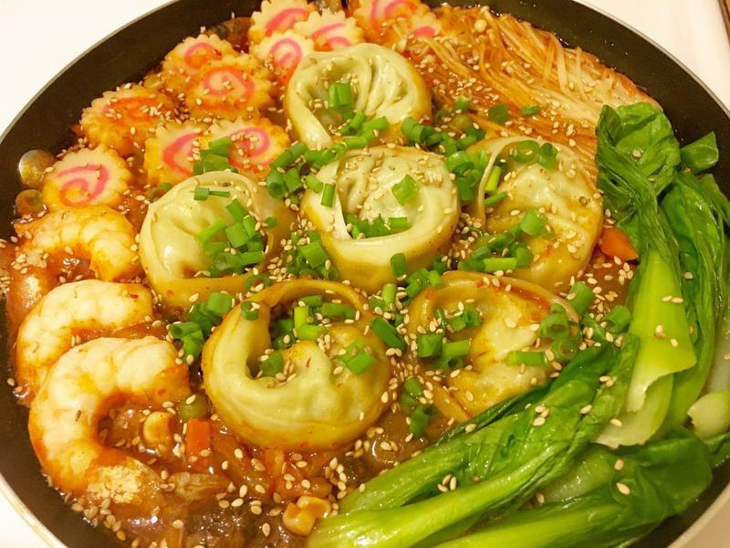 韓式海鮮餃子鍋 만두전골