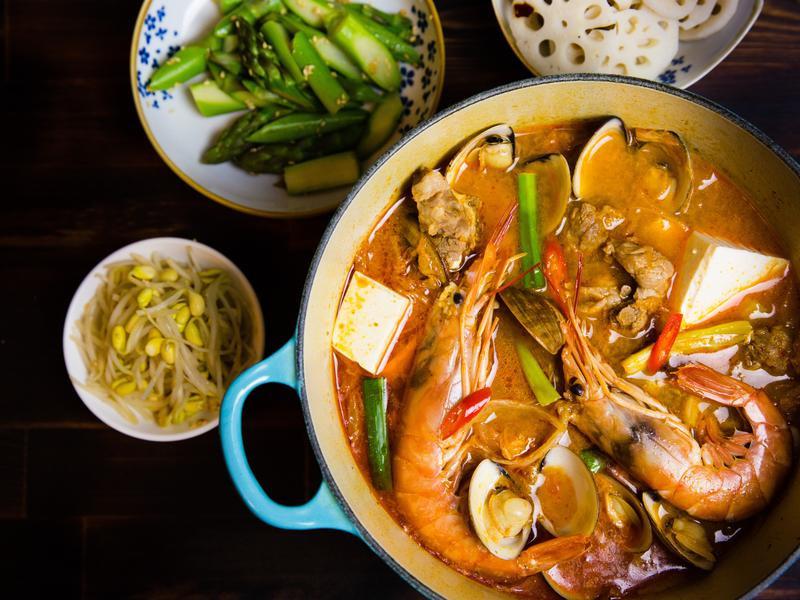 海鮮排骨辣豆腐鍋