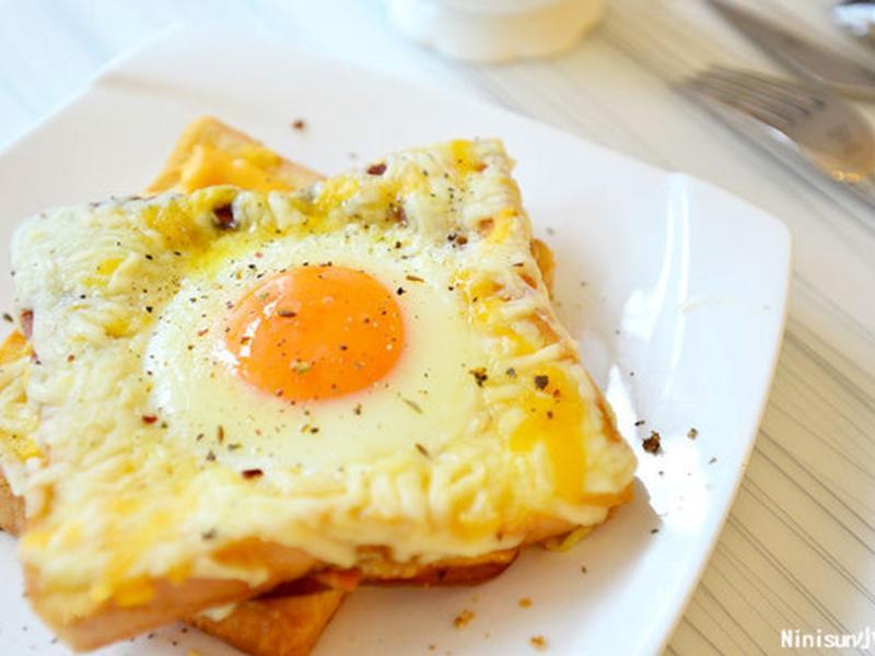 起司矩烤太陽蛋吐司