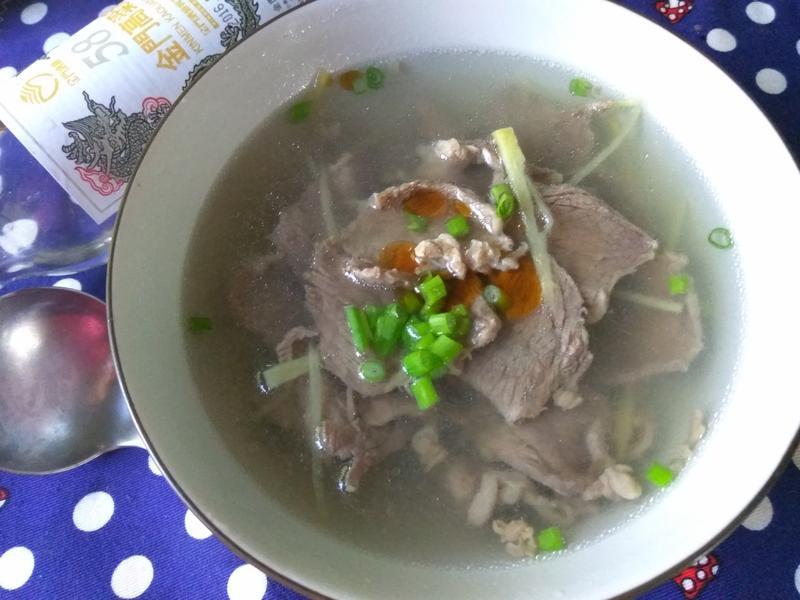 5分鐘上菜薑絲牛肉清湯-58度金門高粱酒