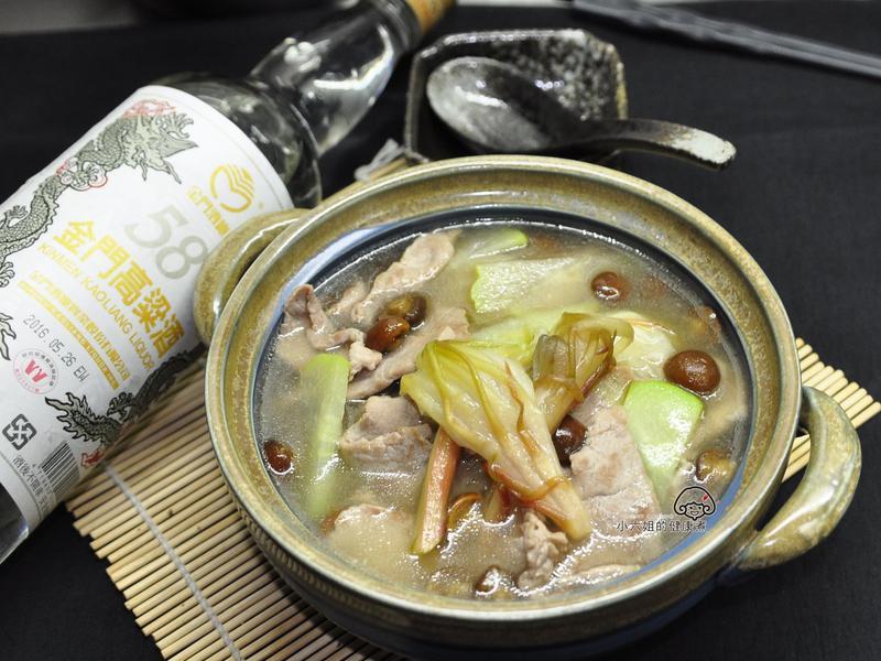 曇花滑菇肉片湯(58度金門高梁酒)