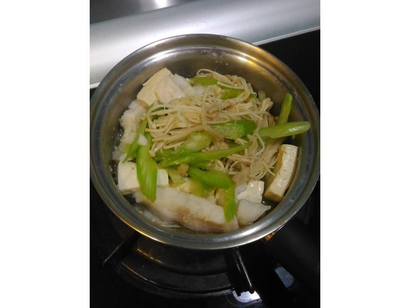 比電鍋還方便的低溫無水料理健康煮食