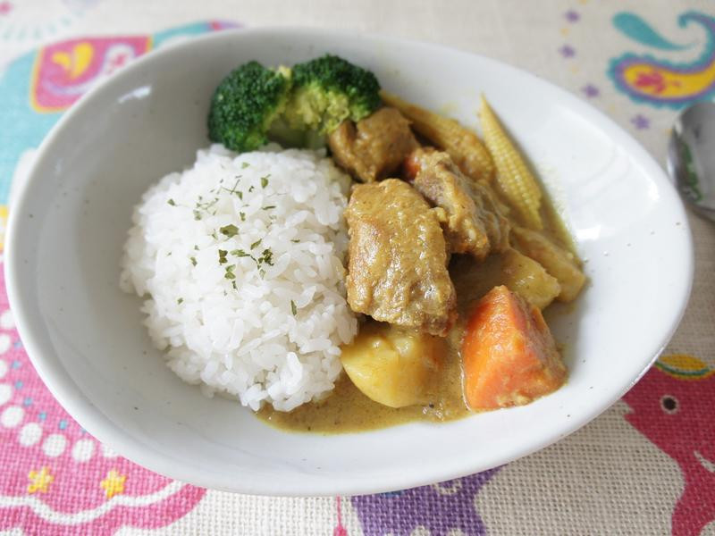 南洋椰汁咖哩豬肉飯