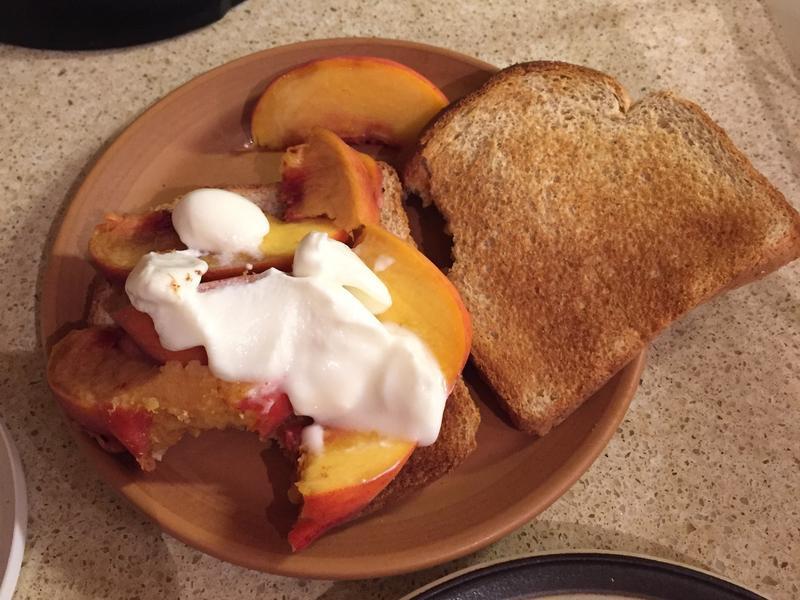 【3分鐘元氣早餐】法式鮮奶油桃子吐司🍑