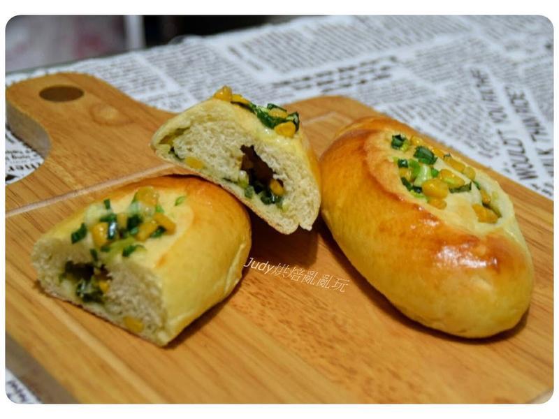 蔥花玉米麵包