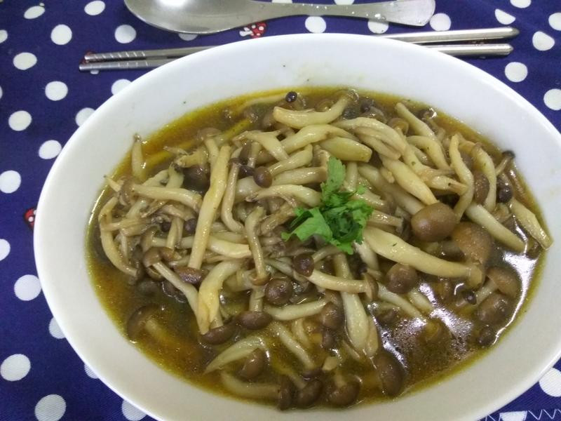 5分鐘上菜─蒜香鴻喜菇