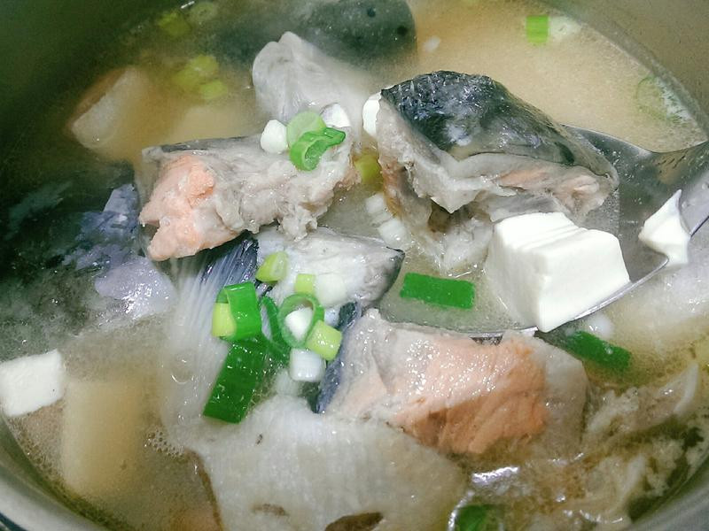 鮭魚味增豆腐湯