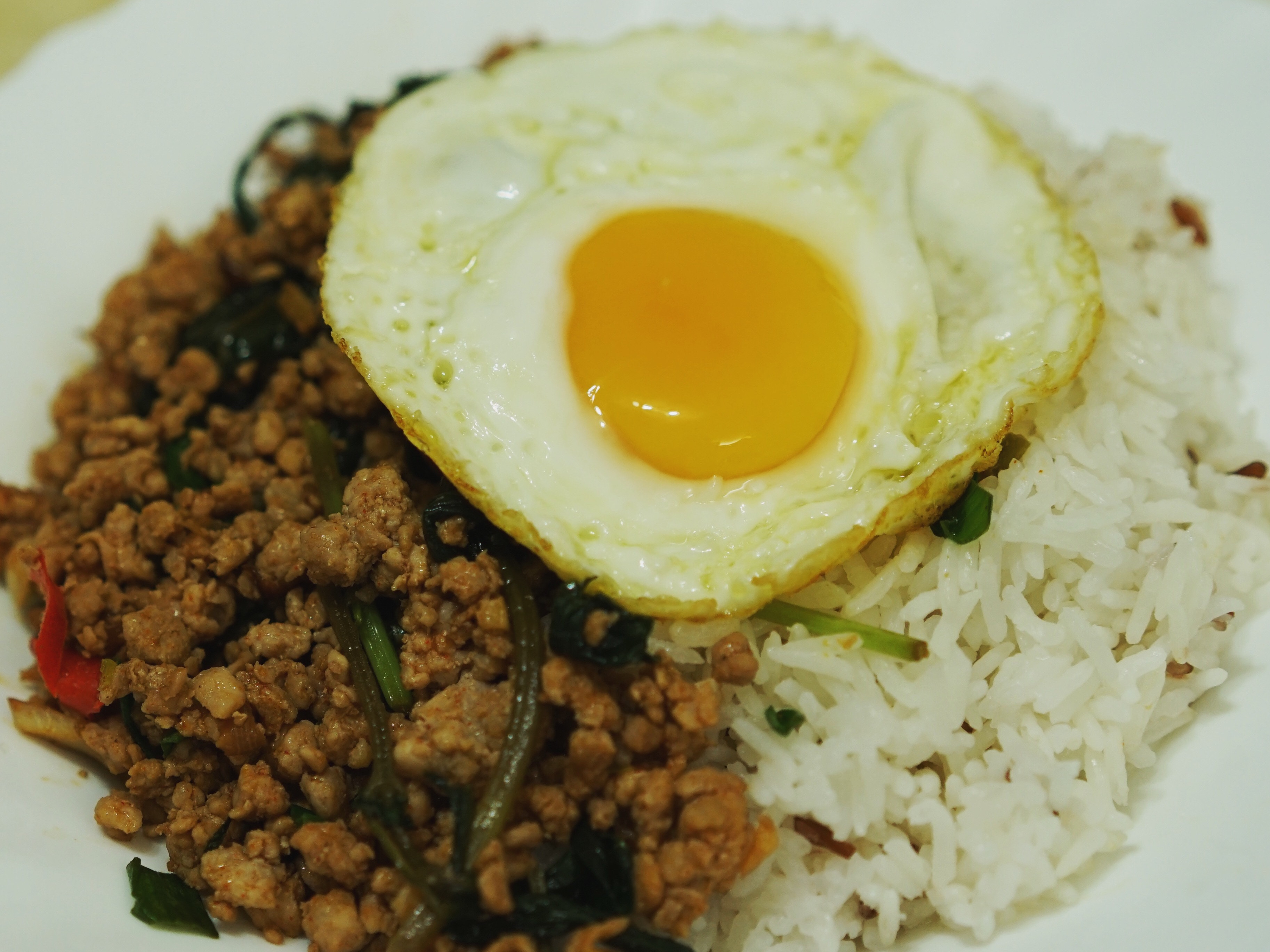 泰式肉碎煎蛋飯