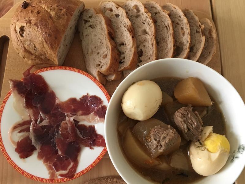鑄鐵鍋料理-燉牛肉蘿蔔湯