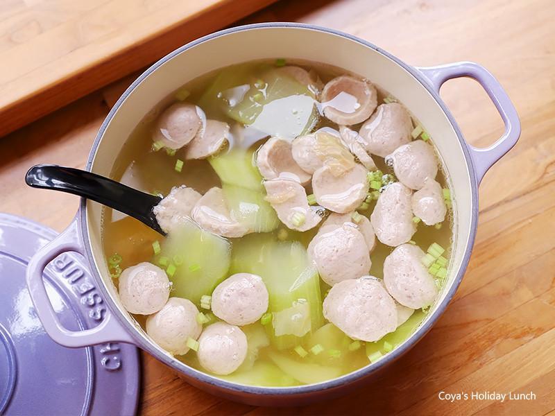 阿基師【大黃瓜貢丸湯】加冬菜提香好味道