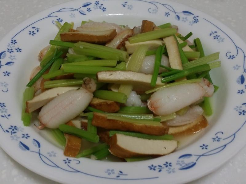 蟹腳肉炒芹菜
