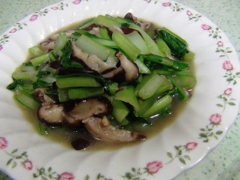 蒜末油菜炒鮮菇