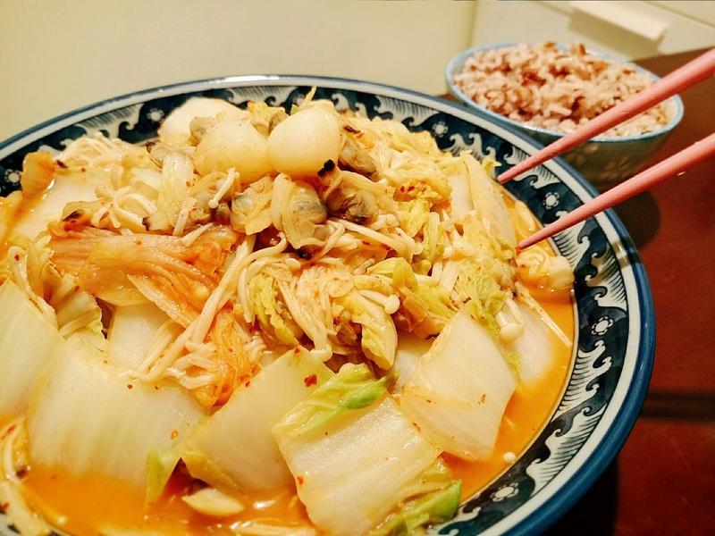 金菇海鮮炒泡菜